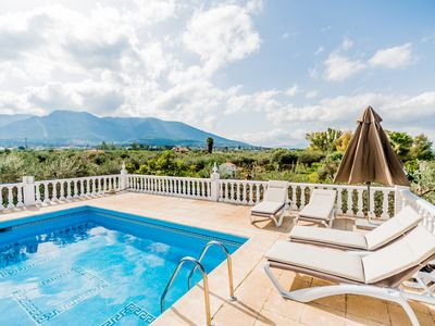 Photo for Cubo's Villa Hollero. Pool, air conditioning, wifi, countryside