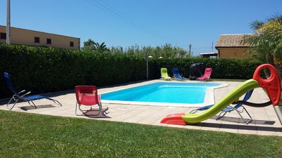 Photo for 3 Bedrooms Villa with Garden, Swimming Pool, Barbecue, Air con., near the SEA