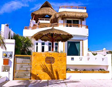 Photo for Caribbean oceanfront home,Private pool,Rooftop lighted entertainment area