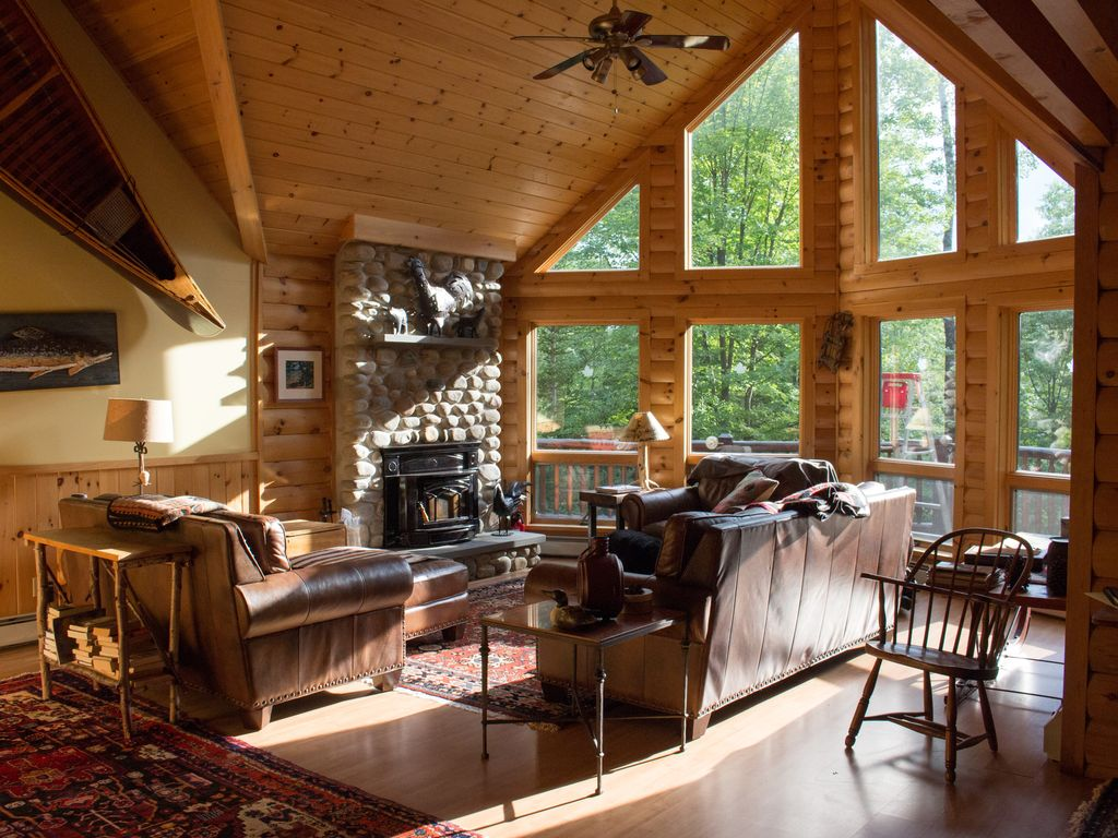 Luxury Log Cabin Style Family Ski Lodge 15 Minutes From
