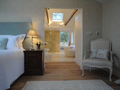 Photo for Romantic and peaceful cottage With Pool And Far Reaching Views