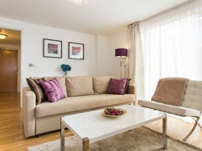 Photo for Luxury 1 Bed Apartment With Balcony In Greenwich