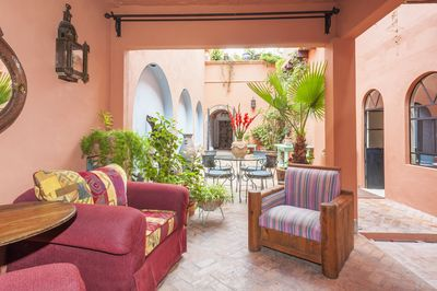 covered sitting area in courtyard