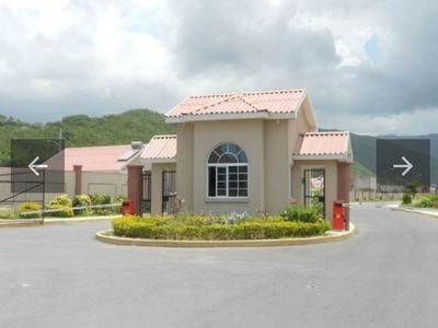Photo for Exclusive one bedroom apartment with private entrance and modern amenities