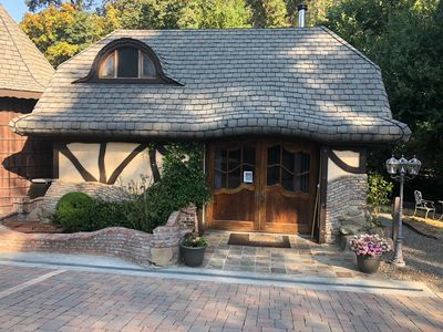 Photo for Charming Thomas Kinkade Cottage in unique setting...