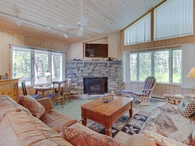 Photo for NEW LISTING! Spacious, woodsy cabin w/outdoor firepit-blocks from Payette Lake