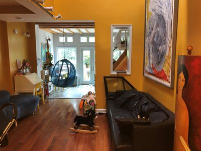Photo for Delightful townhouse near Eastern Market, 1/2 block from three metro lines