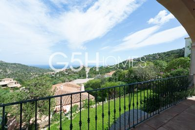 Villa for rent Sardinia, the view and the garden.