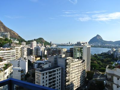 Photo for Overlooking Lagoa, with complete American Flat infrastructure.