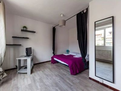 Photo for Studio vieux port - Near Old Port of Marseille