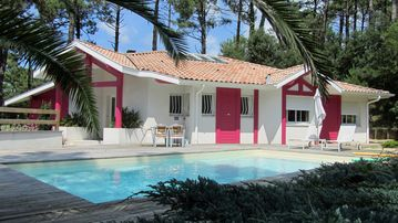 Luxury golf villa in Seignosse, heated pool, 2 terraces,5 rooms, 6 persons.