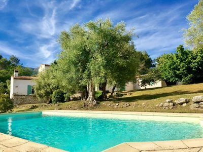 Photo for Large family, air conditioning, heated pool, quiet in French Riviera