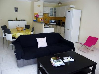 Photo for IN RESIDENCE NEAR ALL SHOPS AND BEACH SPACIOUS APARTMENT FOR 4 PEOPLE