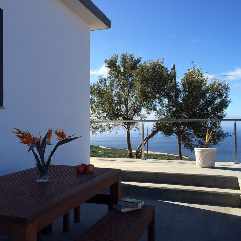 Rocha Views: Secluded villa boasting panoramic views to the sea ...