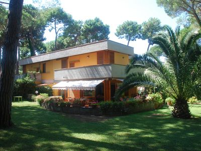 Photo for 2-storey villa with garden in the pine grove of Punta Ala, near the beach