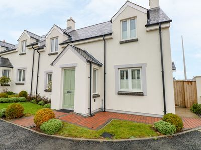 Photo for HERBIE HOUSE, with a garden in Milford Haven, Ref 993701
