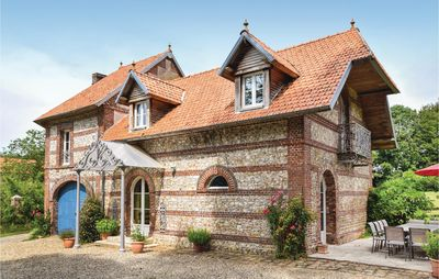 Photo for 6 bedroom accommodation in Hericourt-en-Caux