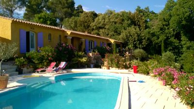 Photo for House with pool dominant view, high mountain (Barjols) 7 persons
