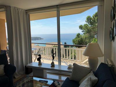 Photo for Family-friendly Apartment with stunning sea views, 200m from Sant Pol beach