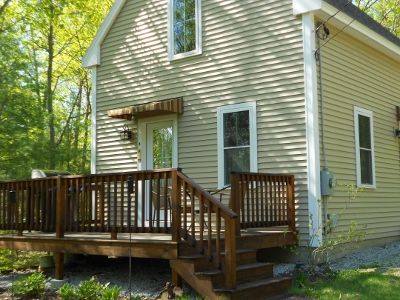 Quaint And Cozy Cottage Nestled In The Heart Of All The Lake Has To Offer