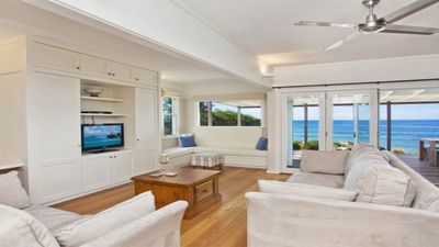 Photo for BEACHFRONT WITH INCREDIBLE 180 DEGREE OCEAN VIEWS