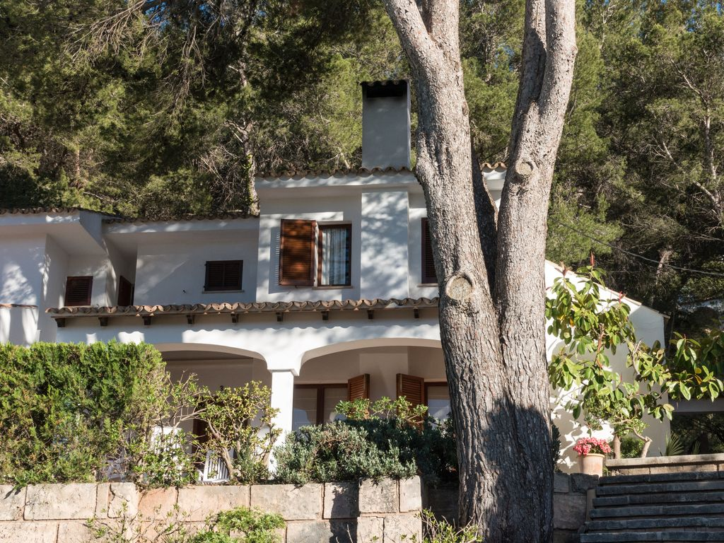 Can Botana 3: 3 bedroom villa in Cala San Vicente with pool in gated ...