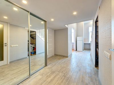 Photo for Stylish two bedroom apartment on Saksaganskogo street