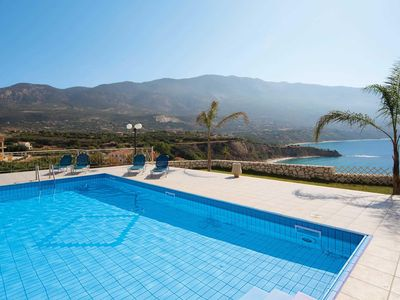 Photo for Spacious villa w/ stunning views, 3 bedrooms, private pool, Wi-Fi & A/C
