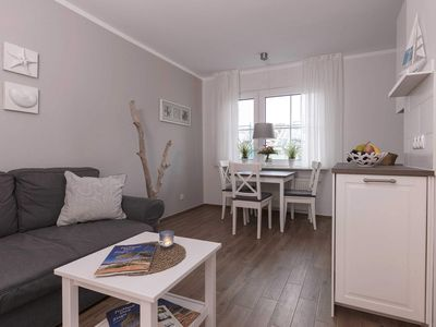 Photo for Apartment 3 - Apartment house Zingst - Holiday between sea & Bodden