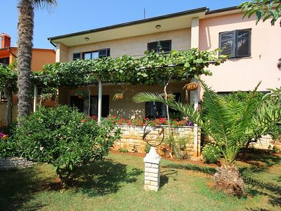 Photo for Apartment with air conditioning, WiFi, washing machine, barbecue and only 1.2 km to the sandy beach