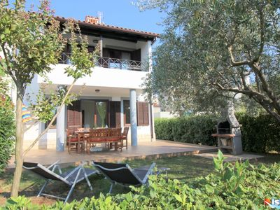 Photo for Family friendly, quiet location, garden with barbecue, near the beach