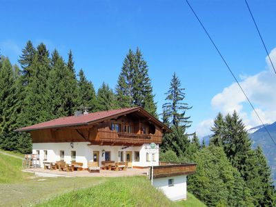 Photo for Apartment Skistadl (KAB136) in Kaltenbach - 9 persons, 3 bedrooms