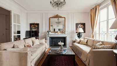 Gorgeous and spacious living room of the Chateauneuf