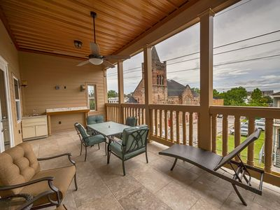 Photo for Spacious Penthouse C in Downtown NOLA