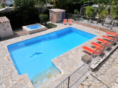 Photo for Charming air-conditioned Provençal villa with heated pool and hot-tub