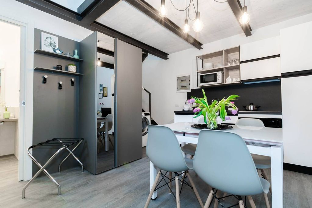 Castaldi Central Loft 5 apartment in Stazione di Milano Centrale with WiFi  & air conditioning.