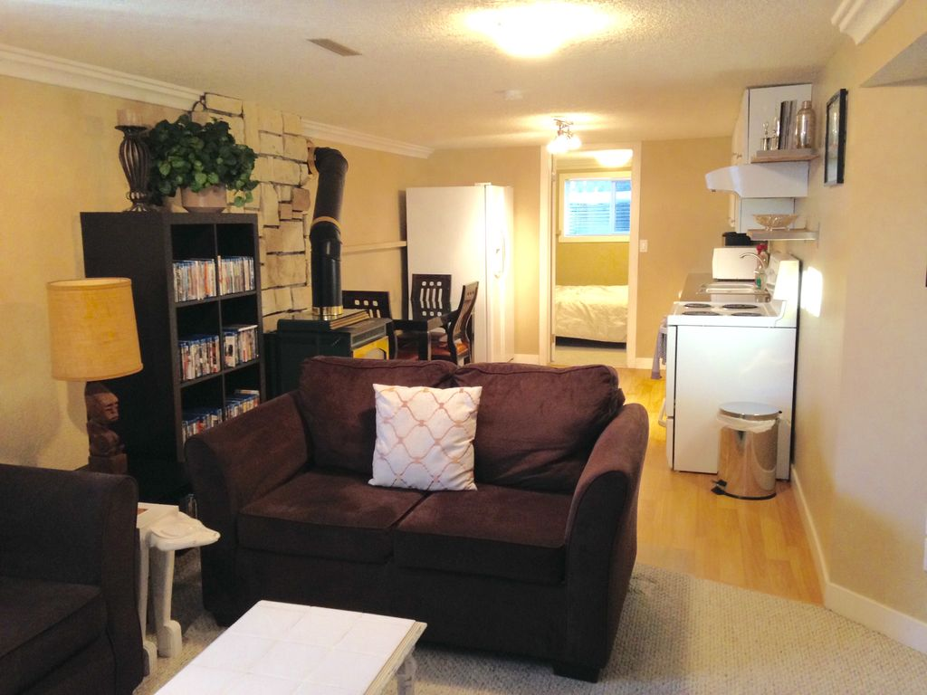 Master Bedroom Basement Suite For Females Or Couples Only Calgary Alberta