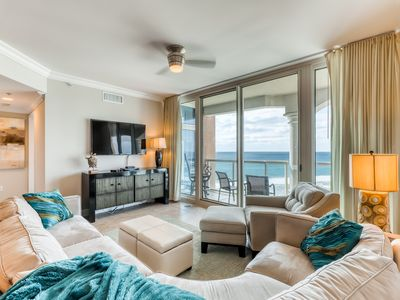 Photo for Bright beachfront condo with shared pool, hot tub, tennis, and beach access!