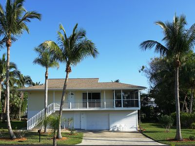 Photo for Detached house with views of Estero Bay, just 150 m from the white dream beach