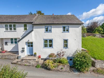 Photo for IVY COTTAGE, pet friendly, with a garden in Beguildy, Ref 954513