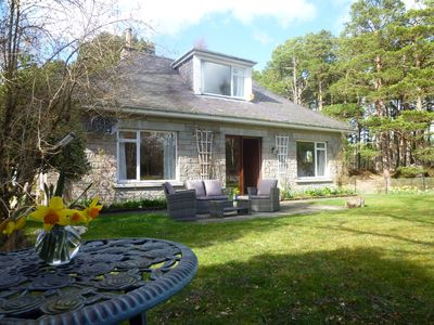 Photo for Fabulous location, luxury lodge for 8 with hot tub and garage, dogs welcome