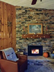 REllaxInn: A Quiet 3BR/2.5BA Lakeside Cottage with Dock in Findley Lake