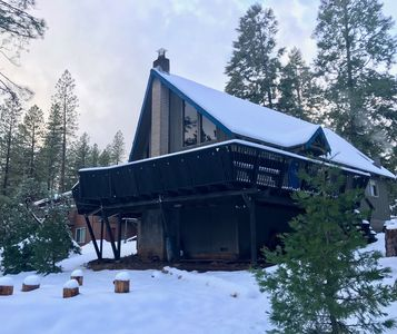 Photo for Casa Azul is an updated cozy 1970's chalet style cabin with hip vintage charm.