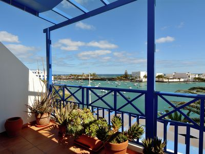 Photo for Modern and spacious appartment with sea view in the center of Arrecife