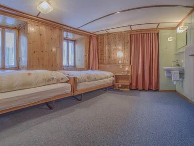 Photo for 4 bedroom Apartment, sleeps 8 in Saas-Fee