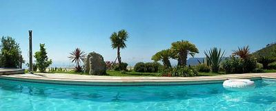 Photo for Large mansion, swimming pool, for 8 people, 1400 m from the beach