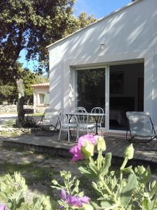 Photo for Pres de Sommières, 2 adjoining guest rooms, large grounds with pool