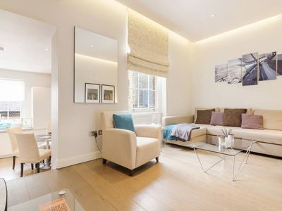 Photo for Bright 2bed sleeps 6 by Fulham Bdway