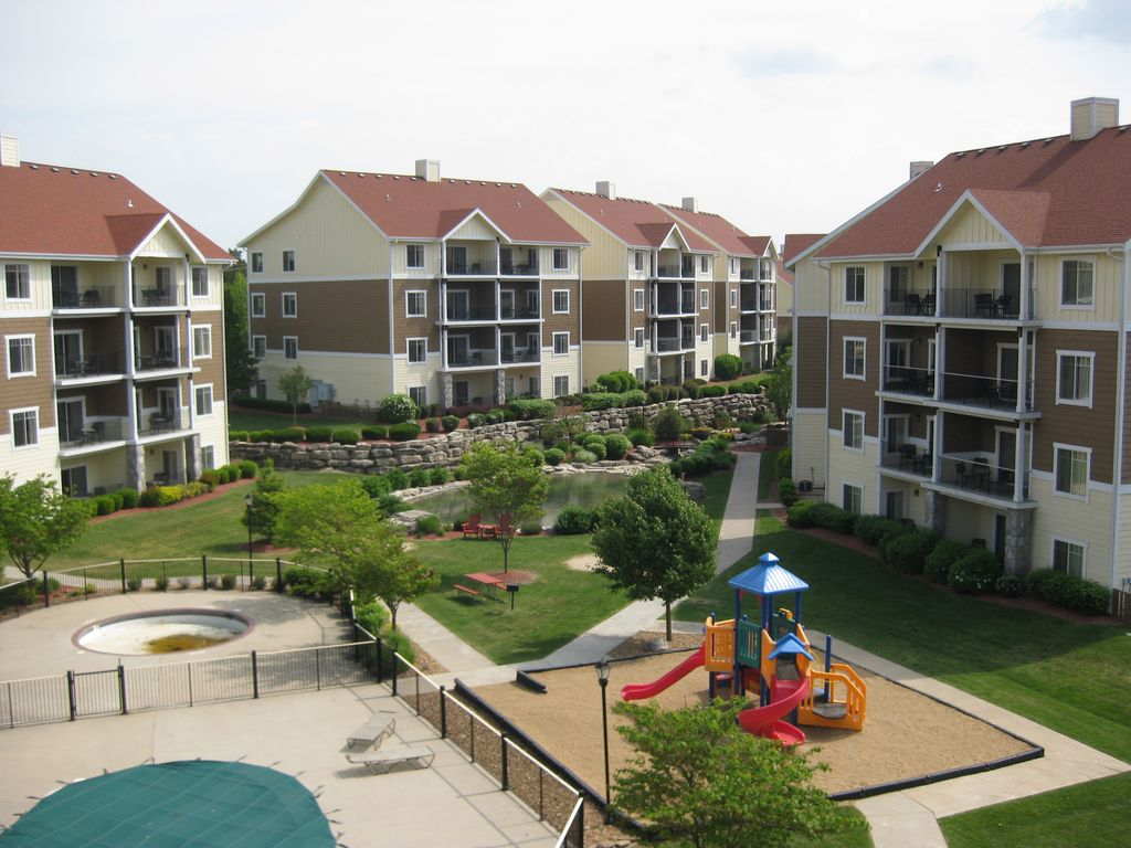 Wyndham branson at the meadows condo resort branson for Cabins at branson meadows