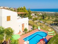 Very warm, clean and well equipped villa,  -. An authentic gem in a wonderful environment. Great ...